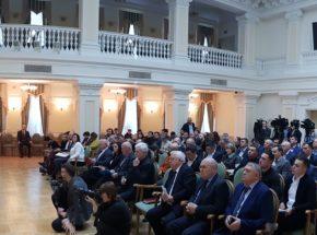 Компания НЕСТ передала пакет предложений по проблемам строительной отрасли премьер-министру Алексею Гончаруку на отраслевом совещании в Кабмине